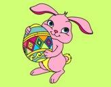 Lapin de Pâques avec l'oeuf